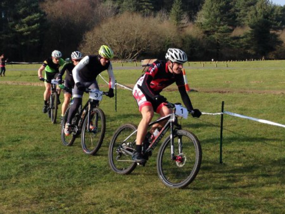 George, on the front, giving it beans! Lee in second, with me just behind. Thanks to Matt Page for the piccy.