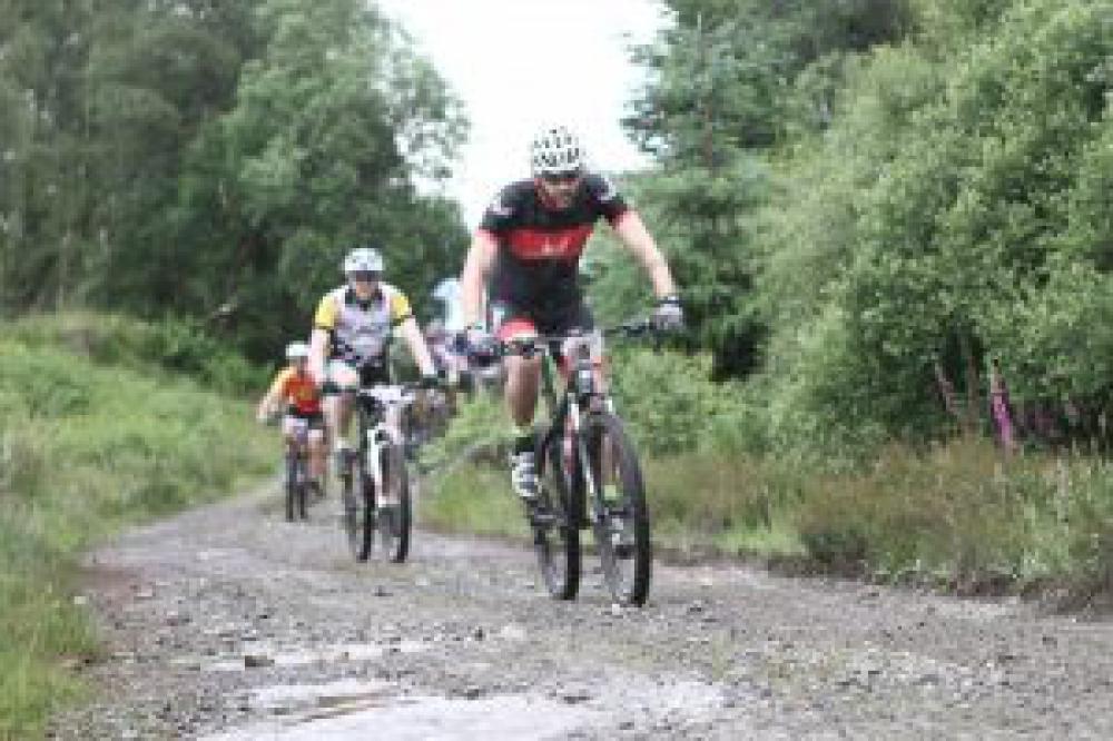 Climbing en masse on Lap 1. Photo from Sportograf